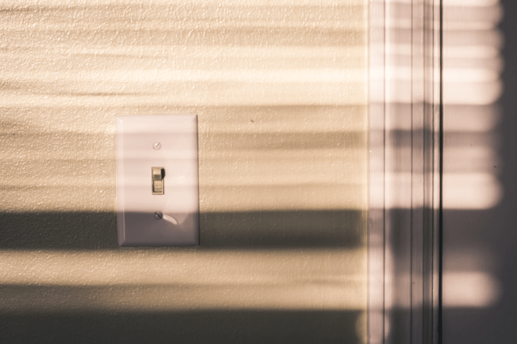 protectores de pared para interruptores